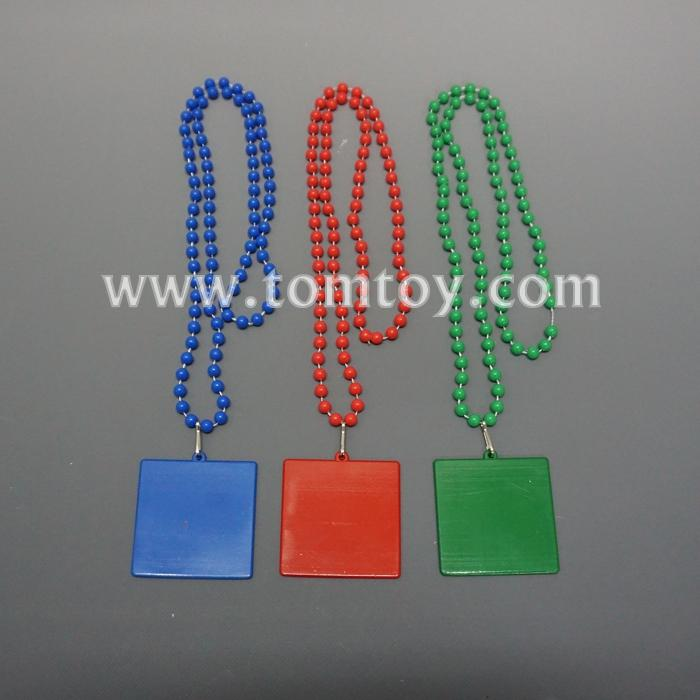 bead necklace with square pendant tm05566.jpg