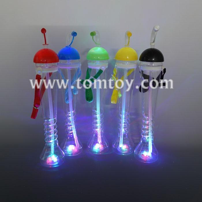 led drinking bottle with straw tm04800.jpg